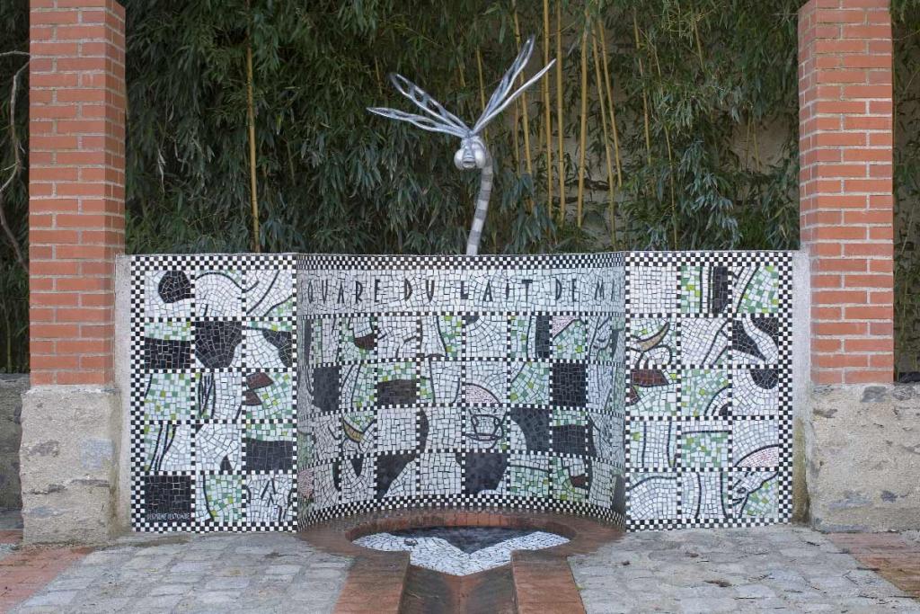 Fontaine Lait de mai